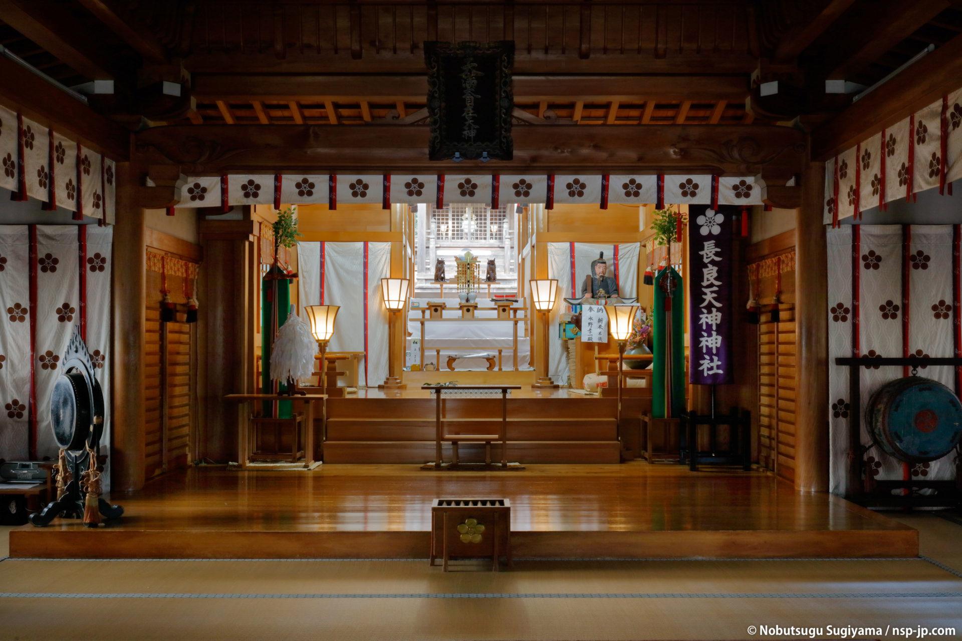 長良天神神社-祭文殿から本殿を望む | 岐阜 故郷巡礼 by 杉山宣嗣